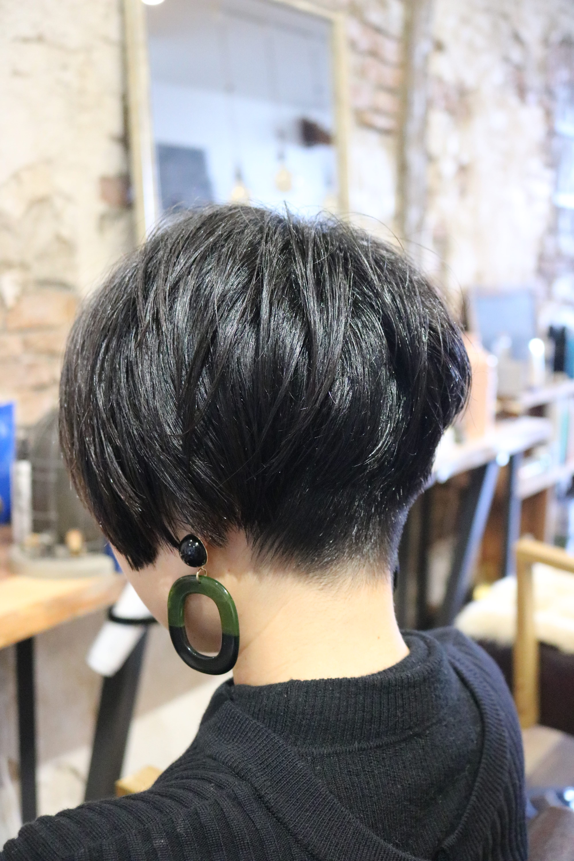 刈り上げ女子×ハンサムショート